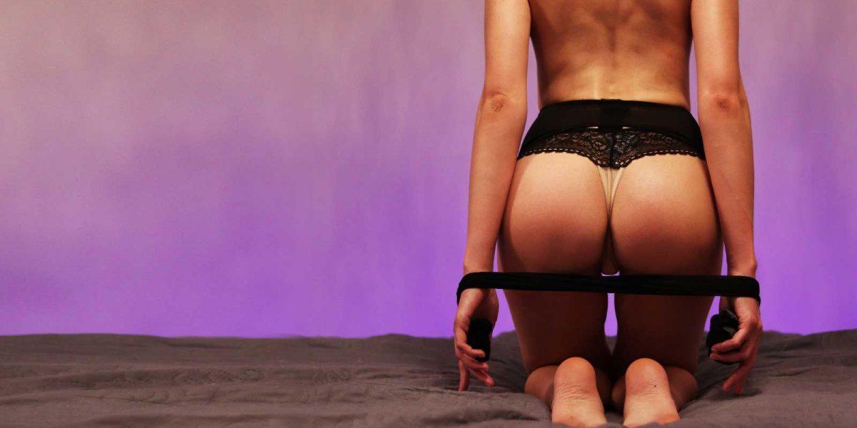 Chcete líbat celé dívčino tělo včetně intimních partií?