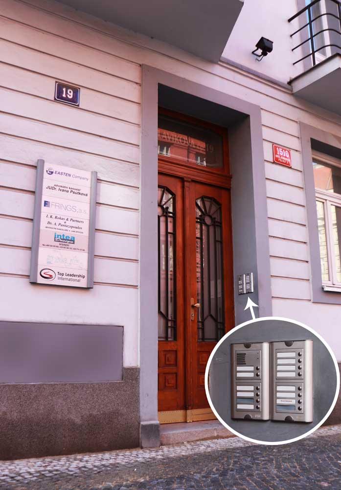 Dvere Slavikova