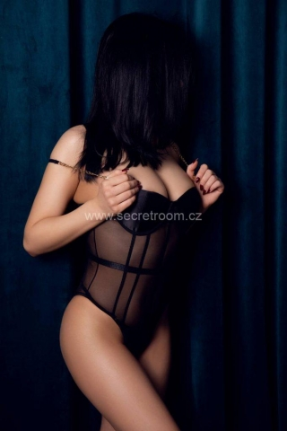 Sharlota erotic massage in Prague