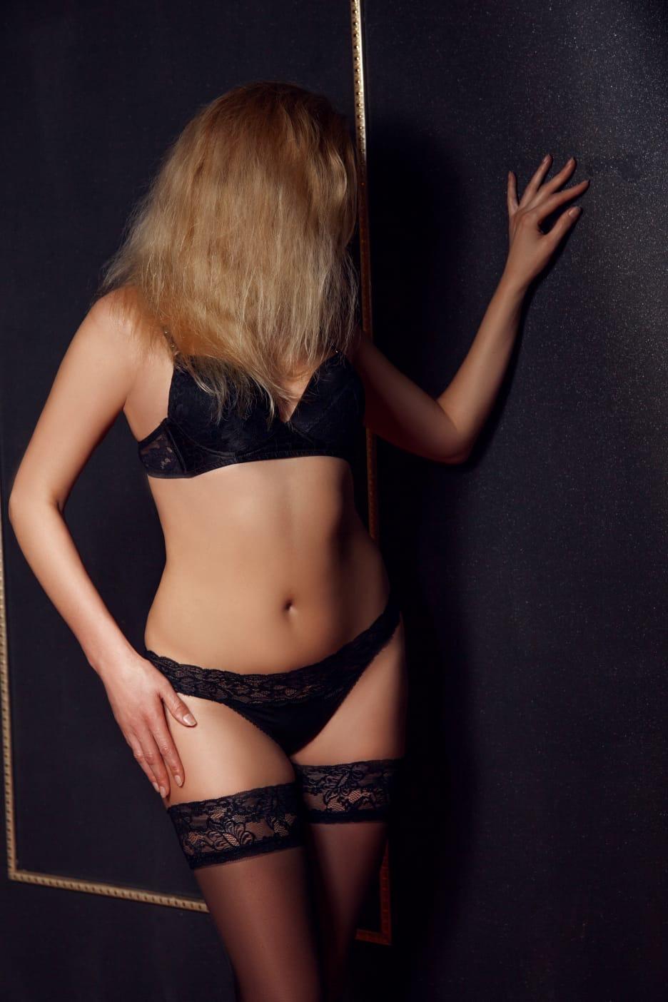 Jenifer erotic massage